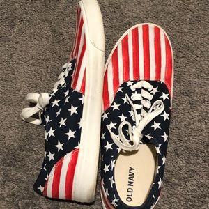 Men's size 13 patriotic tennis shoes